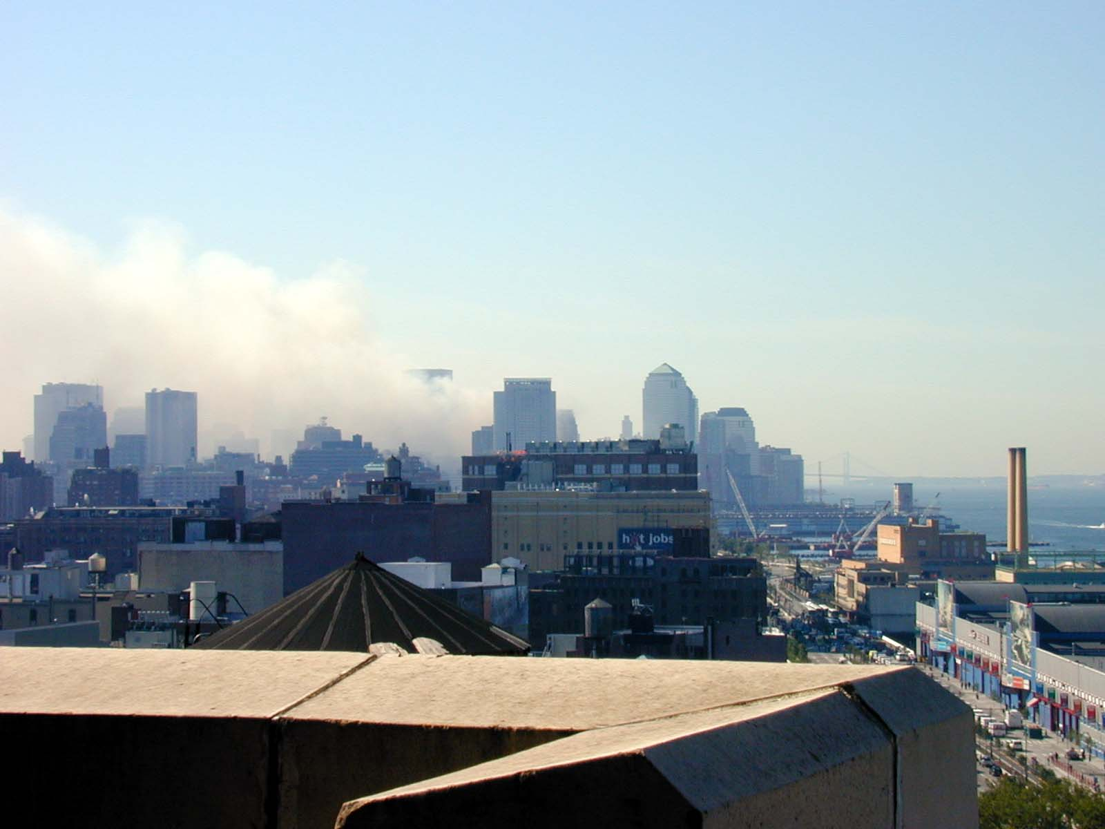 076 - Thu 10AM - downtown still smokes
